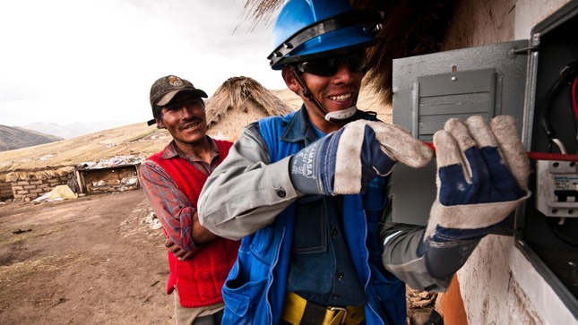 Peru provides financing for 50 thousand families to have electricity for the first time