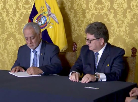 Ecuador signs seven contracts worth USD 1,170 million for the development of the Intracampos blocks in Sucumbíos