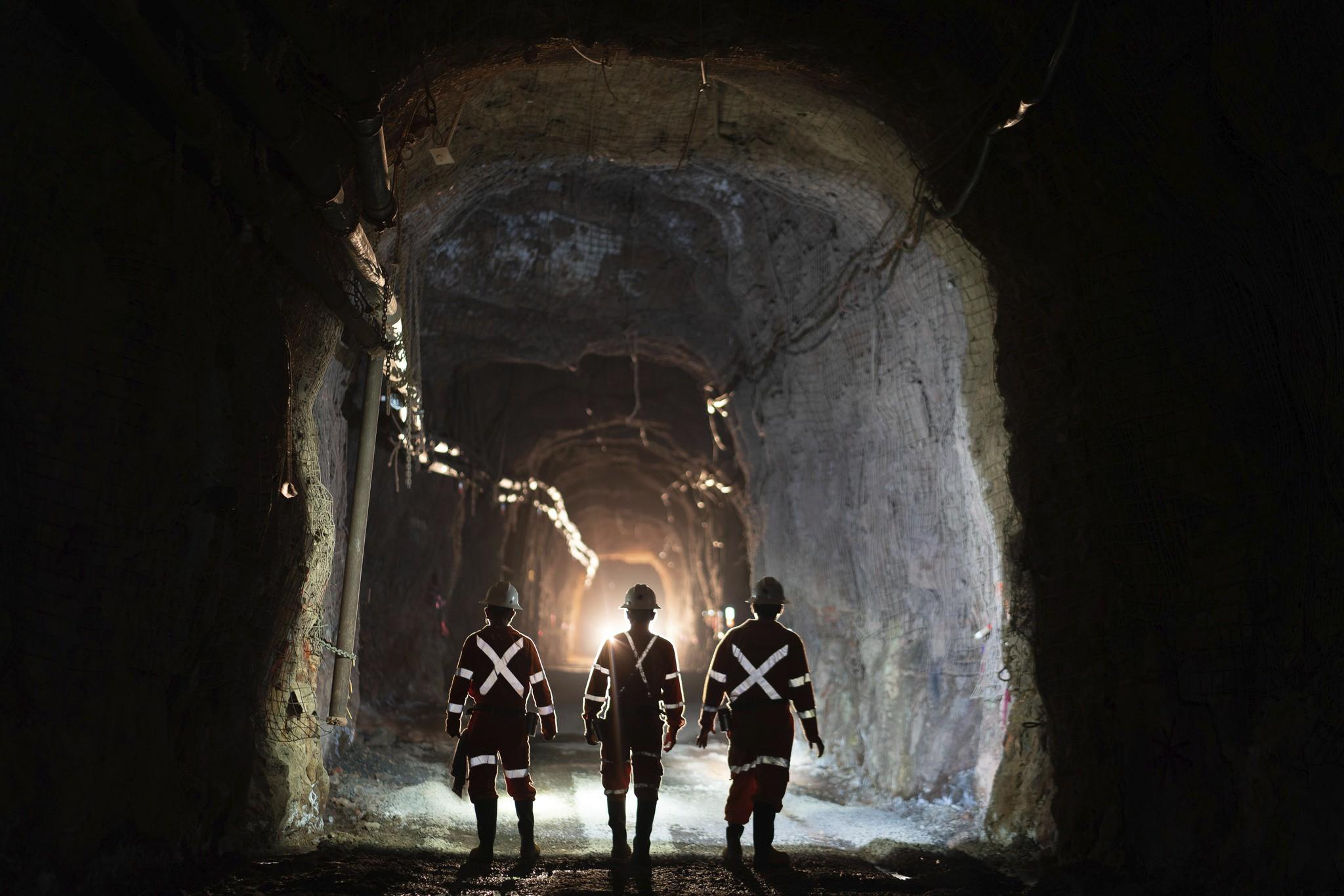 Bluestone vende acciones para avanzar con proyecto de oro en Guatemala
