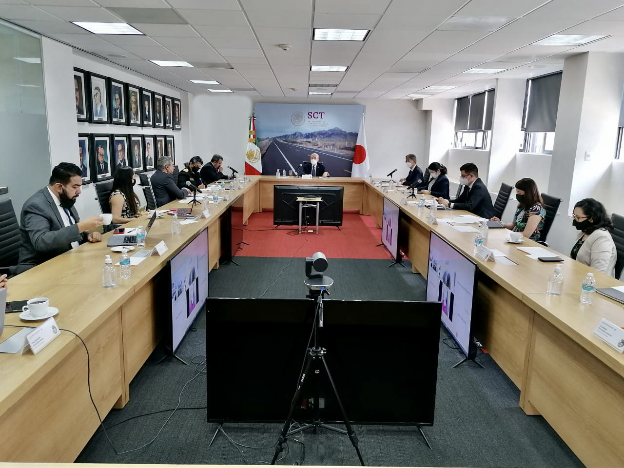 Japan confirms interest in Mexican infra, telecom projects