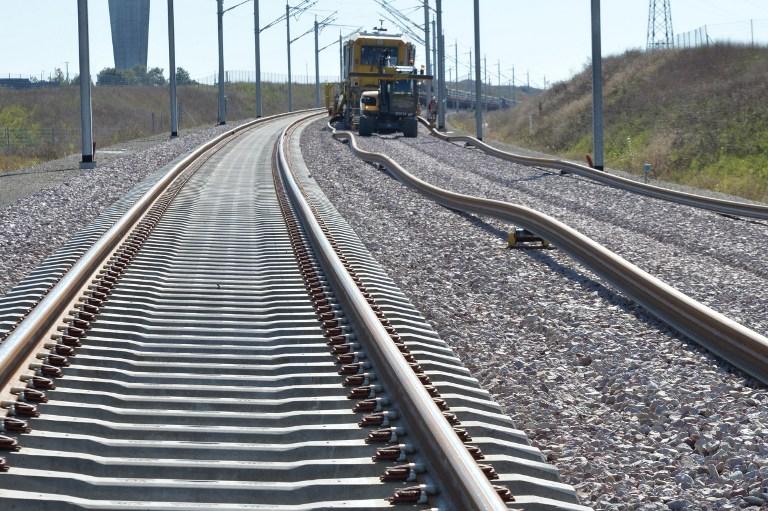 Brasil y Argentina abordan corredor ferroviario bioceánico