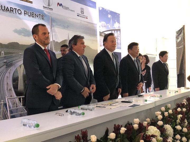 Panamá aprueba cuarto puente sobre canal