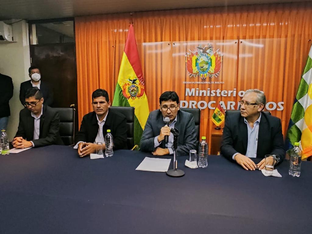 Molina posesiona al Presidente de YPFB y Director Ejecutivo de la ANH