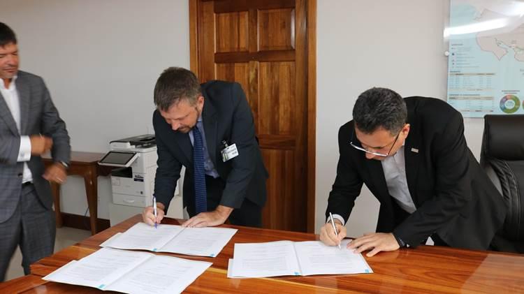 Memorandum de entendimiento firmado con Canadá agilizaría obra de Terminal Pacífico