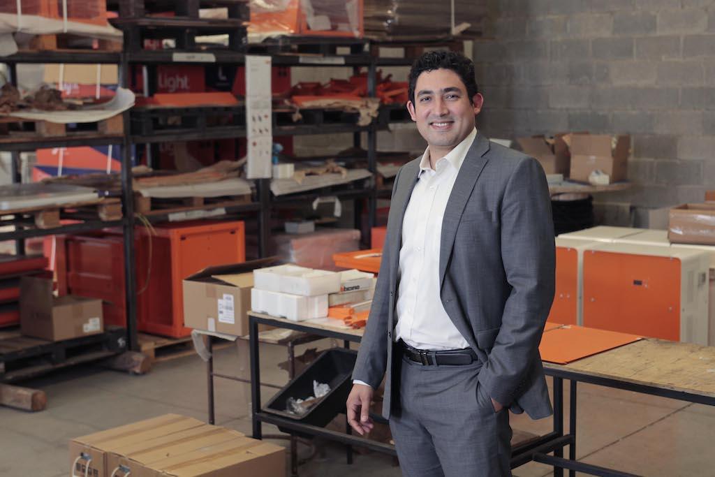 Cómo se abre paso una empresa de iluminación solar en el sector minero chileno