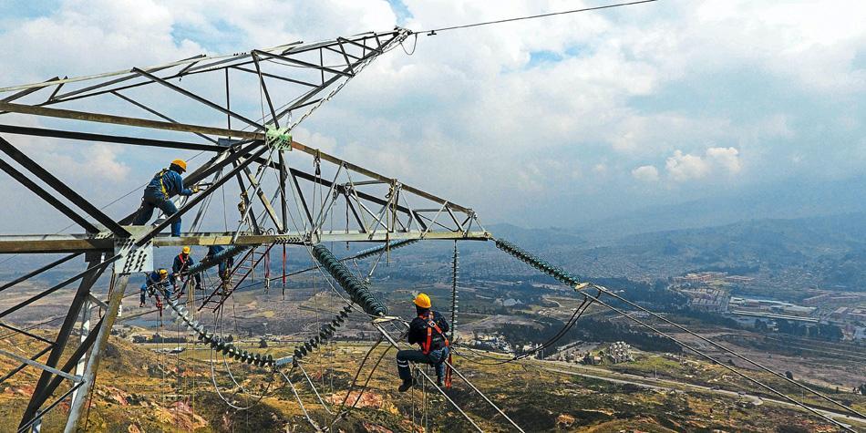 Colombia actualiza información de licitaciones de transmisión