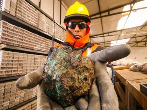 Autoridades mineras peruanas sientan las bases para agilizar permisos mineros