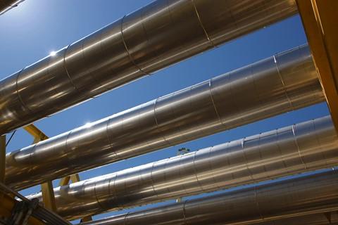 Petrobras firma un convenio con YPFB