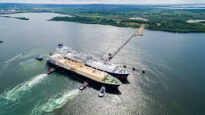 Autoridad colombiana alerta sobre proyecto de GNL en costa pacífica