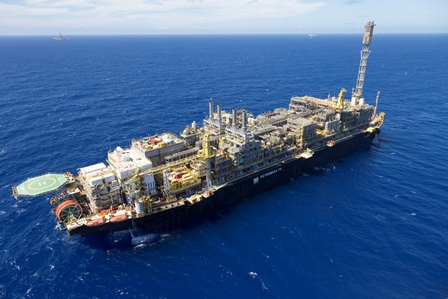 Petrobras extiende plazo para licitaciones de FPSO