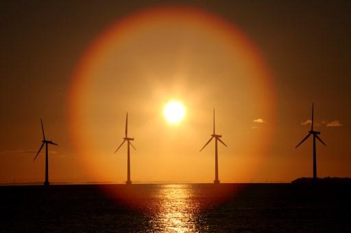 Brasil analiza regulaciones para mercado eólico marino