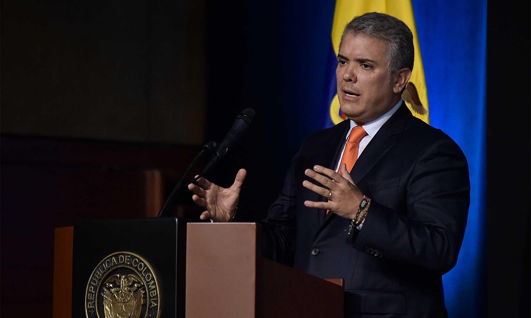 Colombia's Duque joins Bogotá metro debate