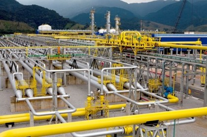 Brazil's Petrobras pushes ahead with opening gas market