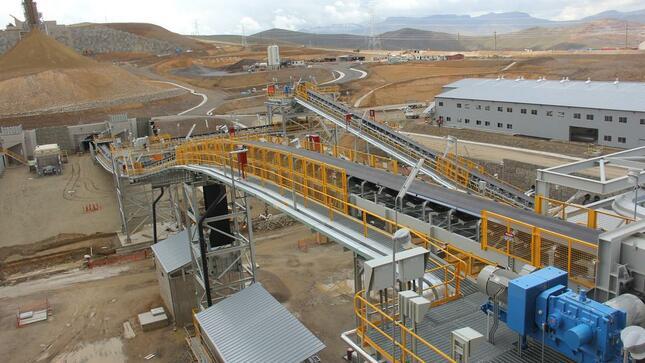 Producción minera metálica de Perú registra baja en noviembre