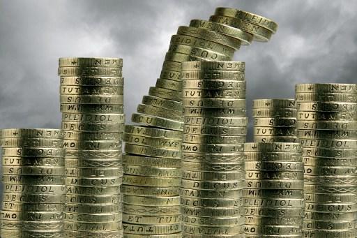 Utilidades de banca mexicana bajan un tercio en octubre