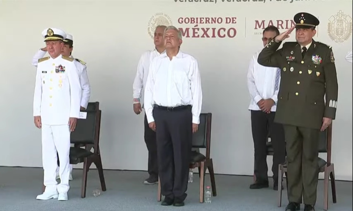 Experts divided on navy control of Mexico ports