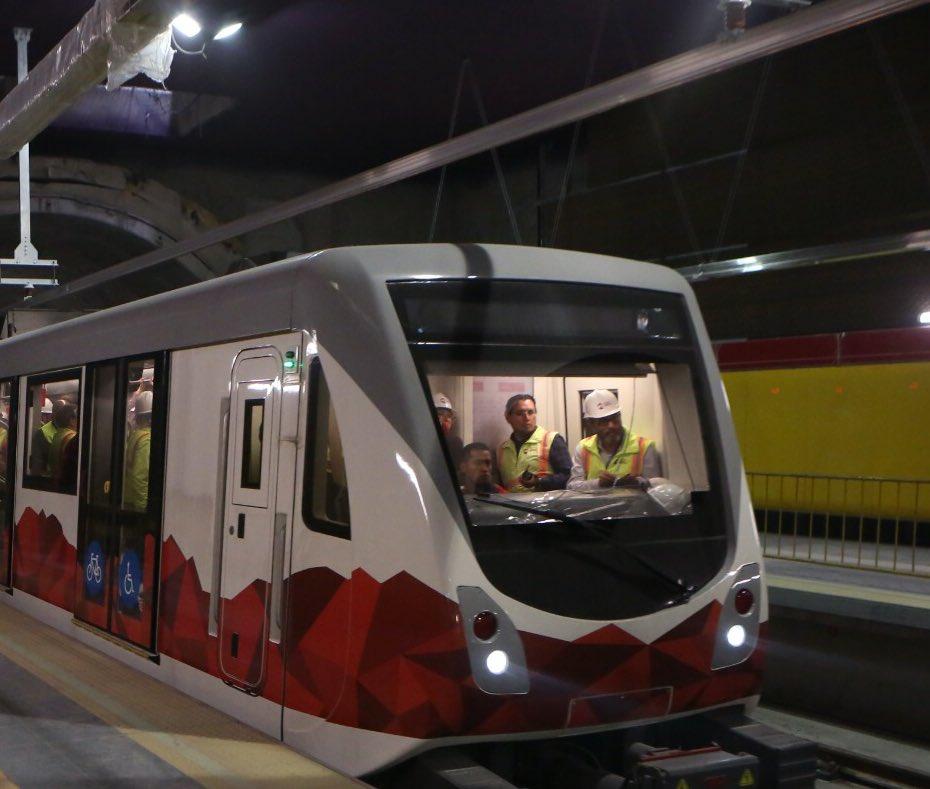Metro de Quito realiza pruebas