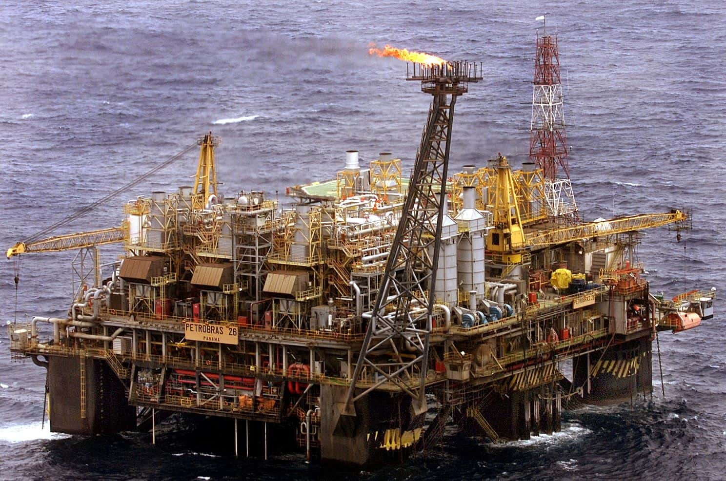 Mexican oil output rises to 18-month high in March