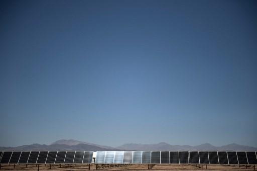 ¿Cómo las crisis afectarán la inversión en energías renovables en Chile?