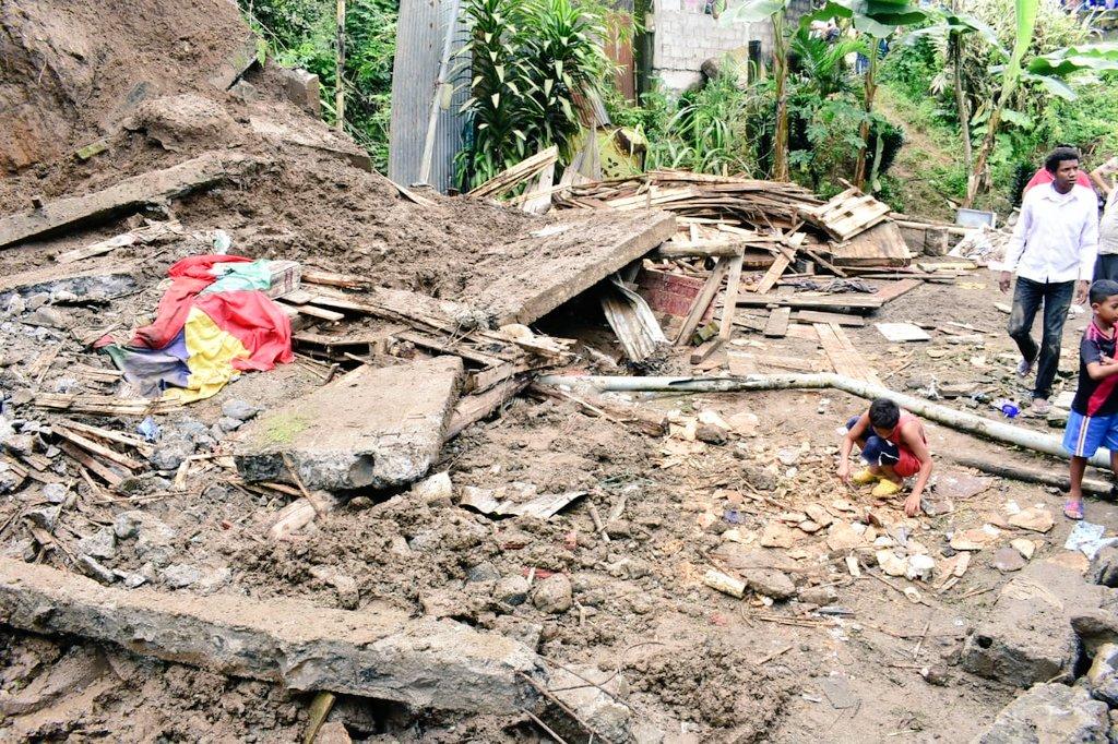 Lluvias dejan 2 muertos y daños a infraestructura en Ecuador