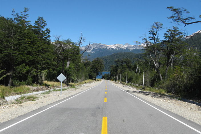 Chile pavimentará vía en zona sur