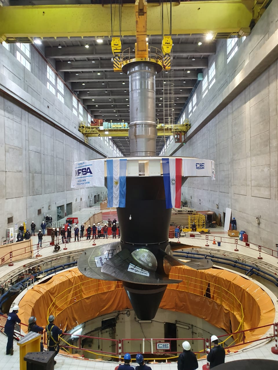 New turbine installed in Unit 01 of the Yacyretá Hydroelectric Power Plant