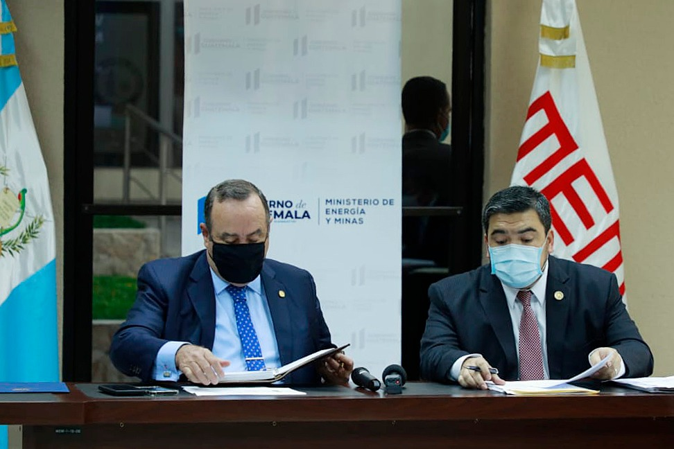 Presidente de Guatemala evalúa avances en política energética en reunión con autoridades del sector