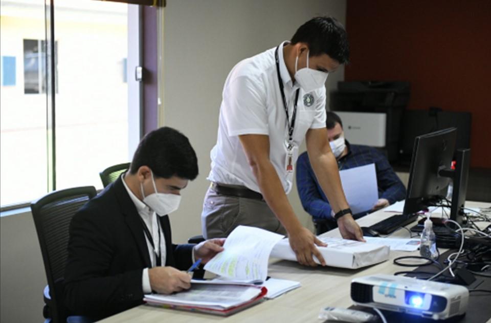 ITAIPU realizó sesión pública de apertura de propuestas para Actualización Tecnológica