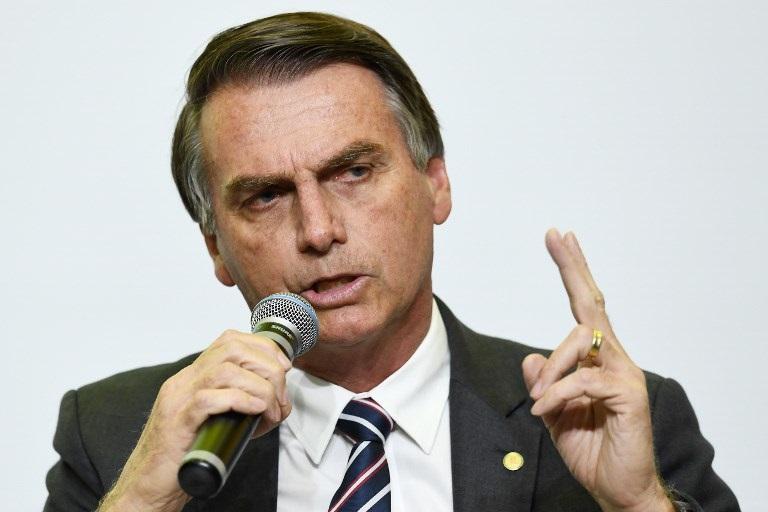 Bolsonaro descarta reforma de pensiones este año si es elegido presidente