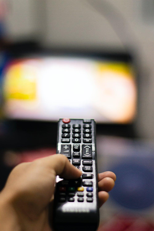 Mexicana Televisa cerraría adquisiciones de Axtel la próxima semana