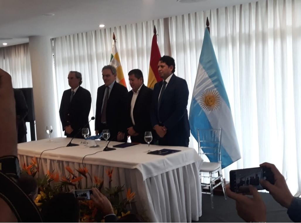 Bolivia logra histórico precio de gas con Argentina