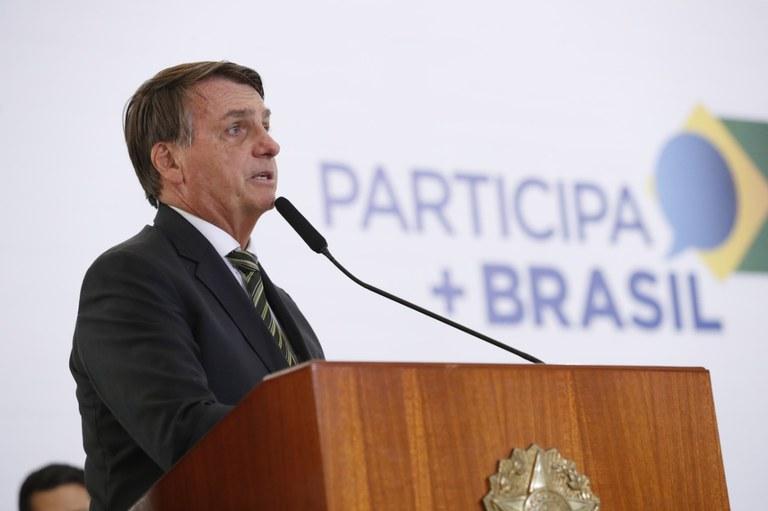 Riesgo político sube en Brasil ante choque entre Bolsonaro y empresarios