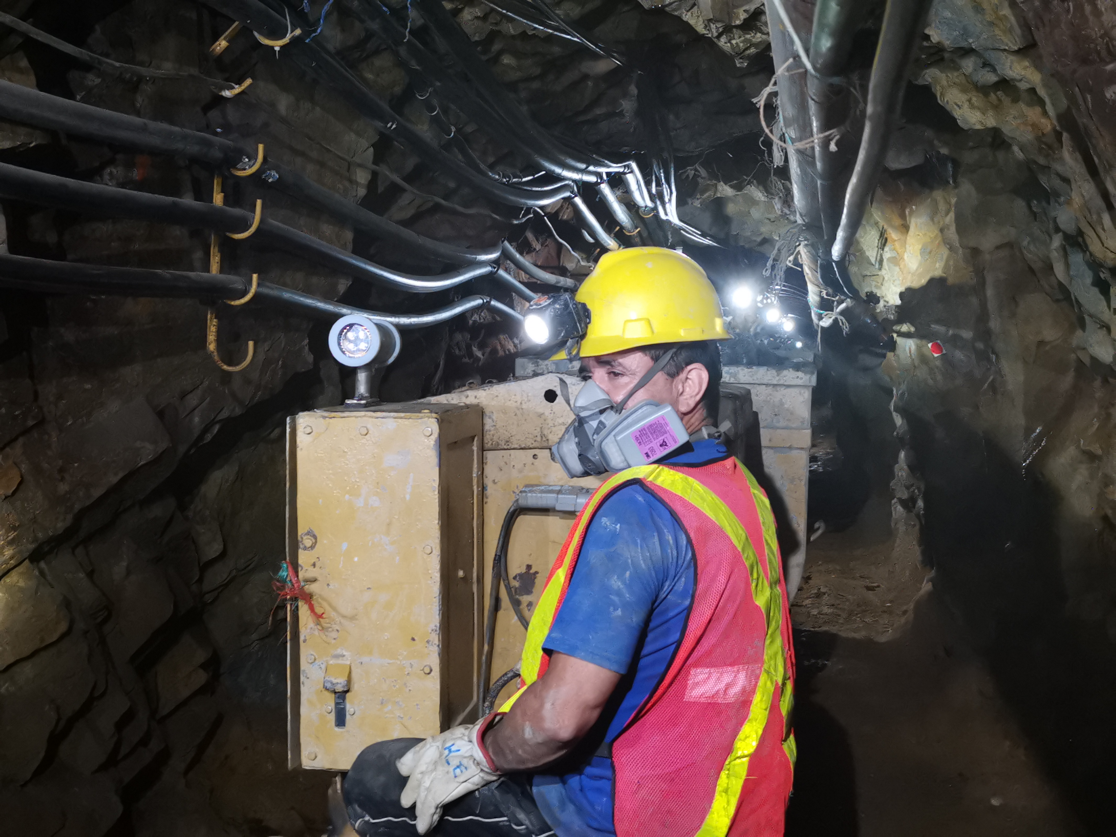 Is mining now the sector that Ecuador's economy needs?