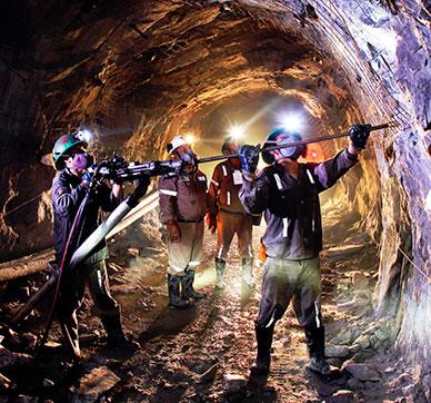 Huelga minera no afecta producción de metales en Perú