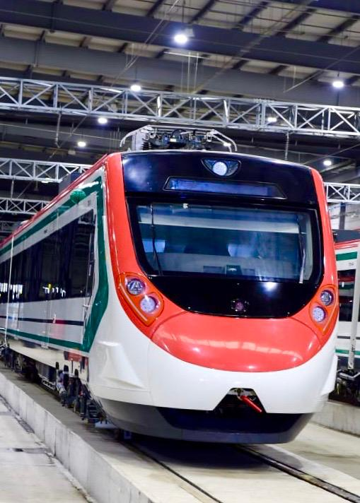 AMLO promete entregar 2.000km de nuevas ferrovías para 2024