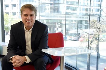 James Scriven conversa sobre las estrategias y prioridades del BID Invest