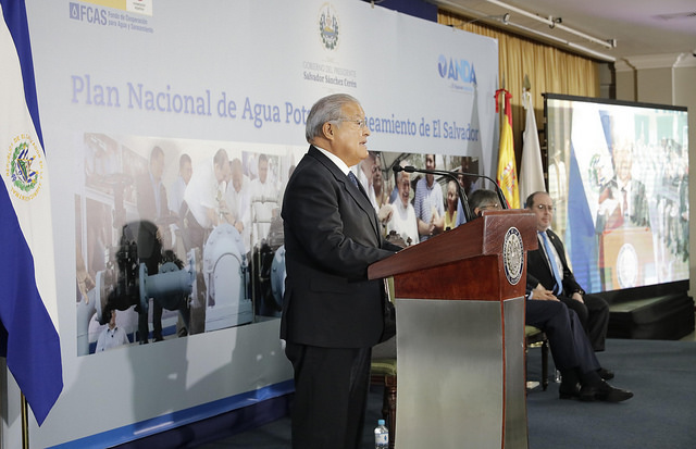 El Salvador presenta plan de aguas y saneamiento por US$14.000mn
