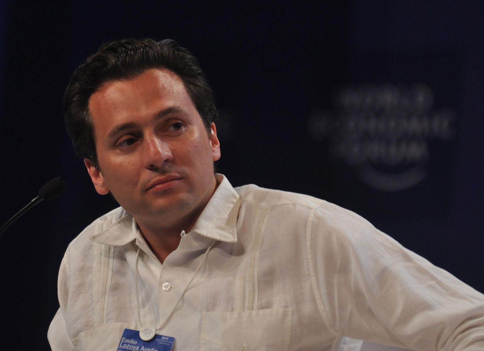 Unidad de delitos financieros de México aplaude arresto de exdirector de Pemex