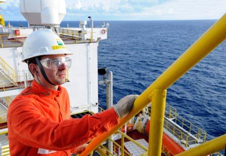 Recorte de capx de Petrobras coincide con tendencia de actores globales