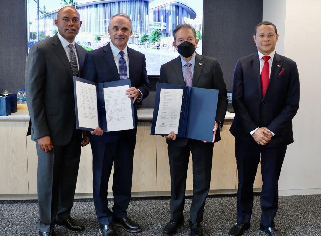 Panamá subastará complejo de béisbol en octubre