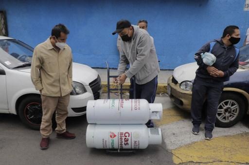 IPC y precios de energía de México preocupan, pero AMLO desestima datos