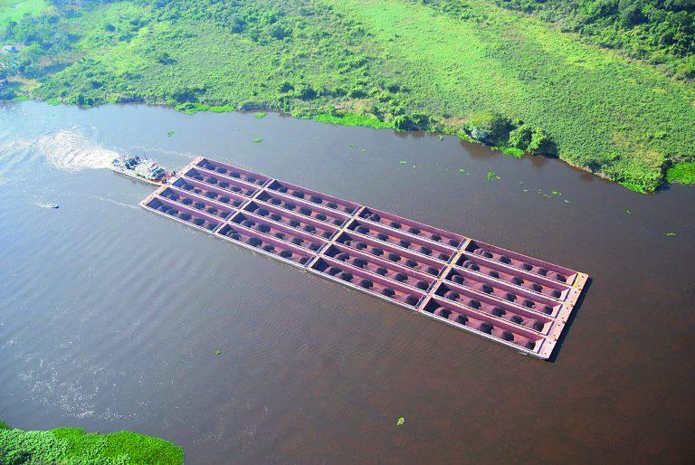 Los planes para descarbonizar una vía fluvial clave de Sudamérica