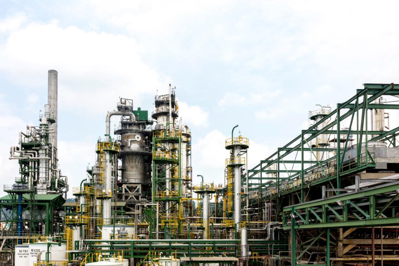 Avanza licitación por refinería ecuatoriana Esmeraldas