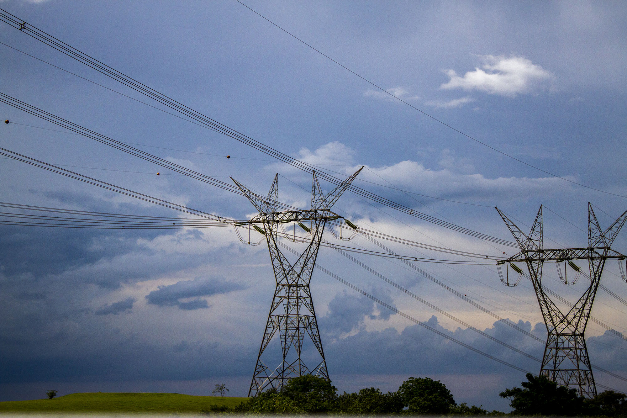 Brasil autoriza importaciones eléctricas bajo nuevas reglas