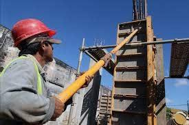 Paraguay detiene obras públicas por restricciones fiscales