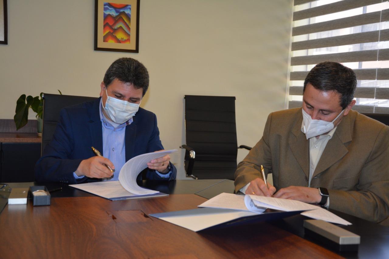 DELAPAZ y ENDE Tecnologías firman contrato de prestación de servicios informáticos