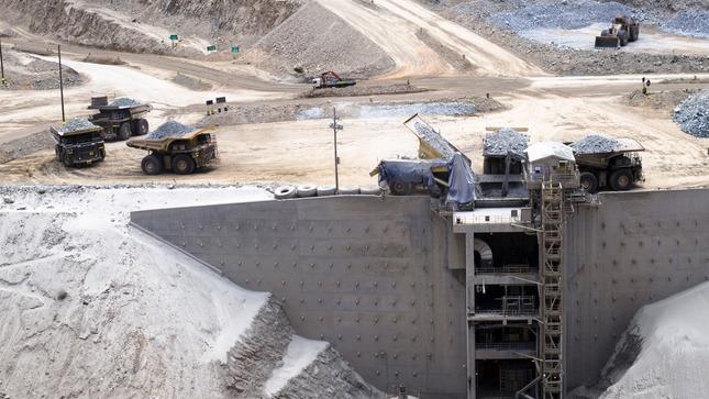 Peru still tops world in silver reserves, second in copper