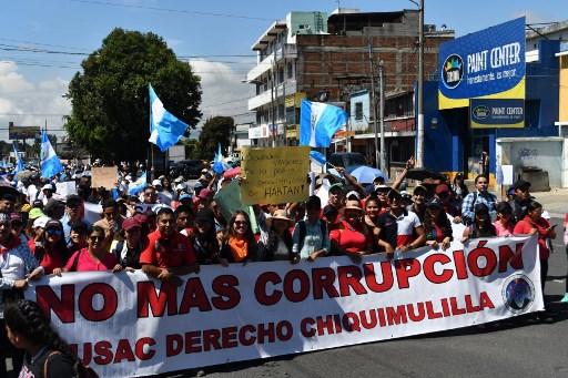 Guatemala reconsidera eliminar inmunidad a Morales