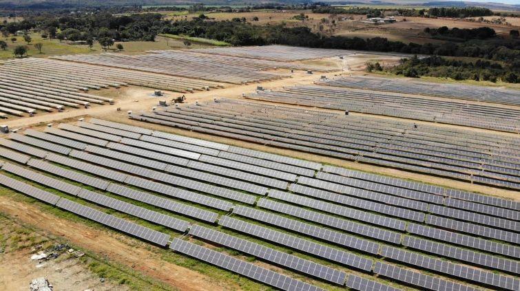 Claro de América Móvil activa nueva planta solar en Brasil