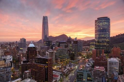 Organismo chileno de concesiones aboga por reactivar teleférico Bicentenario